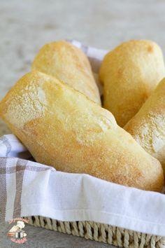Ciabatte di semola #semola #semoladigranoduro #pane #ciabatte #panini #cucina #cucinare #lievitati #ricette #ricetta