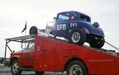 Looking at the drag cars in motion thread got me thinking. Who has pictures of the old drag car haulers from back in the day? I know most guys flat. Revell Model Cars, Diecast Model Cars, Toy Hauler Trailers, Car Man Cave, Car Carrier, Old Race Cars, Car Museum, Model Cars Kits, Drag Cars