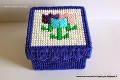 Ricamo e creazioni by Angela: Scatola blu porta oggetti con tulipani