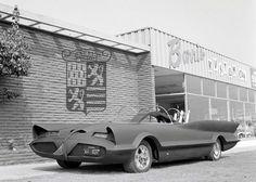 Ford Futura / Batmobile in primer