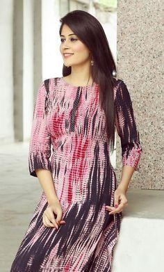 Indian Natural Shibori Tie Dye Kurtis Manufacturer Handmade Block Print Garment Shop In Jaipur Contact = Indian Attire, Indian Wear, Indian Dresses, Indian Outfits, Kurta Cotton, Kurta Style, Casual Chique, Kurti Patterns, Indian Look