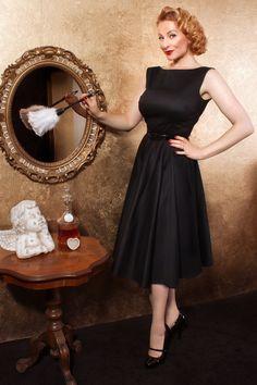 I LOVE this dress! I'm so happy @TopVintage Retro Boutique Retro Boutique has a clothing line now.