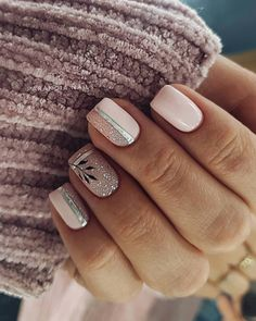 The advantage of the gel is that it allows you to enjoy your French manicure for a long time. There are four different ways to make a French manicure on gel nails. Easy Nails, Simple Nails, Cute Nails, Pretty Nails, Latest Nail Designs, Cute Nail Art Designs, Nail Designs Spring, Pink Nails, Gel Nails