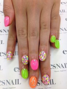 LOVIN this neon & glitter mani..beautiful!!!! ღ❤ღ