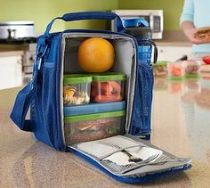 Packing healthy school lunches for your kids is easier when you can keep everything cool with an insulated lunch bag, as well as using ice packs that snap onto the food containers. Healthy Packed Lunches, Healthy School Lunches, Lunch Snacks, Bag Lunches, Work Lunches, Kid Snacks, School Snacks, Kids Lunch For School, Lunch To Go