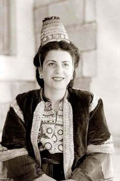 Historical portraits of the Palestinian people