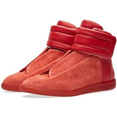 Maison Margiela 22 Future High Sneaker ($770) ❤ liked on Polyvore featuring men's fashion, men's shoes, men's sneakers, mens red sneakers, mens high top shoes, mens lace up shoes, mens velcro strap sneakers and mens high top sneakers