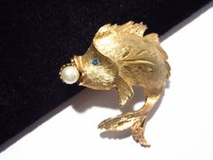 Jonette JJ Fish Brooch Pin Gold Tone Vintage by darsjewelrybox