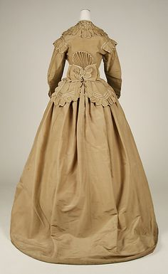 Dress (image 3) | American | 1865-69 | silk | Metropolitan Museum of Art | Accession Number: 40.182.1a–c