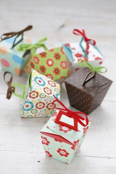 Paper panettone/take away mini gift boxes | Lemon Paper Designs