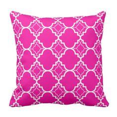 Hot Pink Quatrefoil Geometric Pattern Throw Pillow