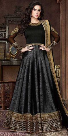 Black abaya style Pakistani wedding wear anarkali frock in silk Designer Anarkali, Designer Salwar Kameez, Wedding Salwar Kameez, Designer Gowns, Indian Designer Wear, Lehenga Choli, Robe Anarkali, Costumes Anarkali, Silk Anarkali Suits