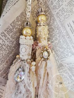 Angela Holt Designs: Amazing Shabby Chic Tassel Tutorial