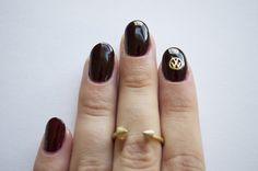 HEX VW logo nail charm