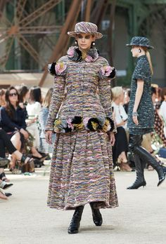 All the Looks From Chanel Couture Fall-Winter 2017 Coco Chanel, Chanel No 5, Winter 2017, Fall Winter, Haute Couture Looks, Chanel Official Website, Collection Couture, Chanel Couture, Good Hair Day