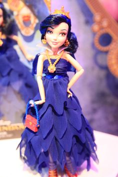 Evie in Her Coronation Dress Disney Descendants Doll by Hasbro, 2015