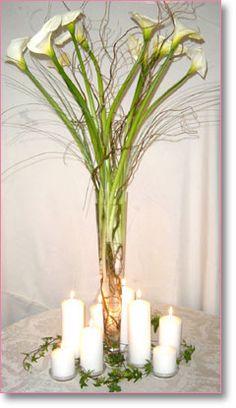 Calla+curly willow Purple Wedding, Our Wedding, Wedding Flowers, Wedding Stuff, Wedding Ideas, Tall Flower Arrangements, Tall Flowers, Calla Lillies Centerpieces, Art Deco Centerpiece