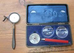 Twee ophthalmoscoop met doos van Liebreich
