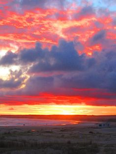 A beautiful Sunset in my country, Cabo Polonio, Uruguay >> In tones of red