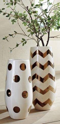 When only a bold and amply proportioned decorative accent will do, then our oversized Ceramic Dot Vase meets the measure perfectly.