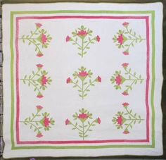 x quilt with fabulous cross over appeal to French country! Antique Quilts, Vintage Quilts, Green Rose, Red Green, Dear Jane Quilt, Applique, Appliqué Quilts, Green Quilt, Rose Buds
