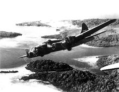 "World War II Fortress ""The Aztec's Curse"" of the Bomb Squadron returning from an attack on Ghizo Island in the Solomons flying over Rendova…」 Boeing Aircraft, Passenger Aircraft, Illinois, Kansas, Les Satellites, Solomon Islands, Photo B, Military Aircraft, World War Ii"