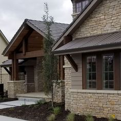 Beautiful Modern Farmhouse Exterior Design Ideas ~ Best Dream Home Café Exterior, Rustic Exterior, Modern Farmhouse Exterior, Exterior Remodel, Farmhouse Design, Exterior Design, Stone Exterior, Stone Siding, Craftsman Exterior