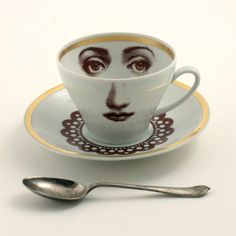 Altered Porcelain Cup Coffee Saucer Woman Face Lace Collar Vintage White Brown Romantic whimsical op Etsy, 25,00 €