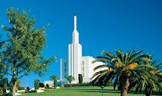 Opinions on Hamilton New Zealand Temple. Give your opinion about Hamilton New Zealand Temple Lds Pictures, Temple Pictures, Mormon Temples, Lds Temples, Beautiful Architecture, Beautiful Buildings, Hamilton New Zealand, Angel Moroni, New Zealand Image