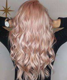 Rose gold hair Roségoldenes Haar Source by . Rose Gold Hair Brunette, Blond Rose, Pink Blonde Hair, Strawberry Blonde Hair, Cabelo Rose Gold, Peach Hair, Rose Pink Hair, Ombre Rose, Rose Hold Hair