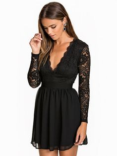 Scalloped Lace Prom Dress - Nly Trend - Black - Party Dresses - Clothing - Women - Nelly.com