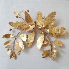 Fragment of a gold wreath, Greek 320-300 BC. The Metropolitan Museum of Art
