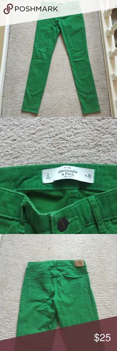 Kelly green jeggings Abercrombie and Fitch kelly green jeggings. Super soft material and skinny fit. Size 2, waist 26. Only flaw is on the pocket shown in the fourth photo- the stitching won't stay upright Abercrombie & Fitch Jeans Skinny