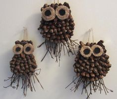 DIY Owl Decorations - A Gift Idea . A step-by-step tutorial de-constructed pine cones,twine,small twigs,felt & cardboard These little handmade guys would look great plopped on a brown paper package. Pine Cone Owl Craft This cute little owl will love sitti Owl Crafts, Christmas Projects, Holiday Crafts, Christmas Crafts, Crafts For Kids, Arts And Crafts, Diy Owl Decorations, Pine Cone Decorations, Christmas Decorations