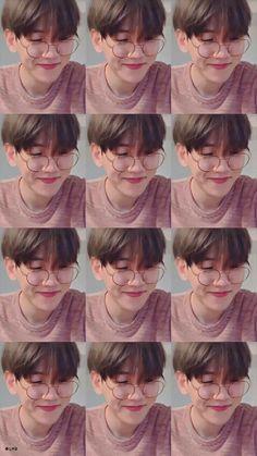 Byun baekhyun so cute 😍😍 Exo Ot12, Chanbaek, Baekhyun Wallpaper, Exo Album, Exo Fan Art, Exo Lockscreen, Z Cam, Kpop Exo, Hanbin