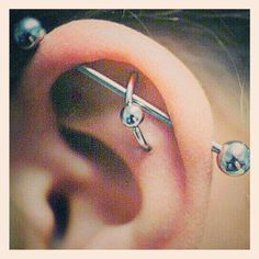 The next piercing i want. A scaffolding and orbital piercing. Orbital Piercing, Piercing Tattoo, Cute Piercings, Crazy Piercings, Unique Body Piercings, Industrial Piercing Jewelry, Body Modifications, Body Mods, Body Art Tattoos