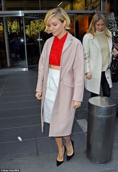 Sienna Miller - In Manhattan, New York.  (December 4, 2014)