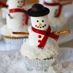 How to make Snowman Marshmallow Cupcakes
