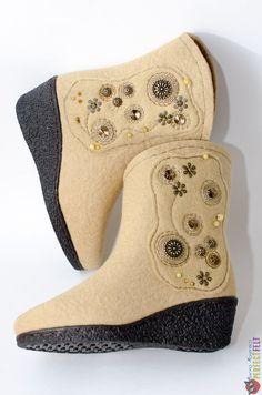 """Сапожки из войлока """"Карамельный гламур"""" – купить в интернет-магазине на Ярмарке Мастеров с доставкой - BBRTRRU Felt Boots, Wedges, Shoes, Fashion, Glamour, Moda, Zapatos, Shoes Outlet, Wedge"""