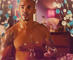 Small glance at Garcia's apartment Oh yeah, Shemar is in it too! lol  Could a man be any more beautiful?