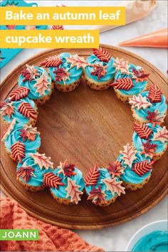 Here's a wreath for those with good taste! Make it with cupcakes & candy melt leaves and taste away. Cupcake Cake Designs, Cupcake Art, Cupcake Cakes, Cup Cakes, Cupcake Wreath, Cookie Decorating, Autumn Decorating, Fall Cakes, Holiday Snacks