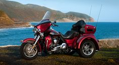 Harley Davidson Tri Glide Ultra Classic...this were gonna get when when old n grey...n go around the country   <3