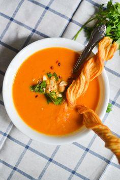 Creamy Coconut Carrot Soup