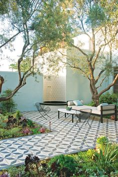 Beautiful tile for outdoor living! Silverlake - Los Angeles | Landscape design: Judy Kameon