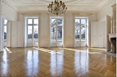 Find luxury Property For Sale in Paris, France. Search for your ideal apartment, houses, real estate with award winning property agents, HomeHunts. French Apartment, Dream Apartment, Paris Apartment Interiors, French Interior, French Decor, Architecture Details, Interior Architecture, Apartments For Sale, Home Deco