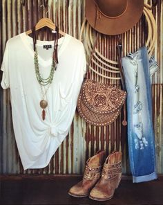 Online western boutique more country western outfits, women's Cowgirl Mode, Estilo Cowgirl, Estilo Hippie, Gypsy Cowgirl Style, Western Chic, Western Wear, Mode Country, Estilo Country, Country Style