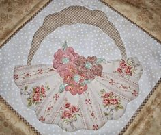 Hello Everyone, Yesterday I planted some flowers on my little Dresden basket. I had been thinking about placing a Dresden Plate Patterns, Dresden Plate Quilts, Quilt Block Patterns, Hand Applique, Applique Quilts, Crazy Quilt Blocks, Crazy Quilting, Shabby Chic Quilts, Asian Quilts