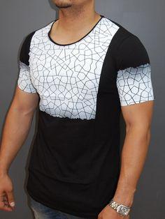 2Y Men Graphic Trom T-Shirt - Black