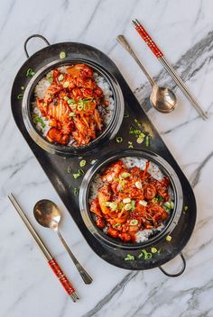 These Korean pork belly kimchi bowls are made with only 8 ingredients and take 10 minutes to pull together. Though the pork belly kimchi bowls recipe is easy, the flavor is next level. Pork Recipes, Asian Recipes, Cooking Recipes, Ethnic Recipes, Hawaiian Recipes, Korean Dishes, Korean Food, Steak Dinner Sides, Food Porn