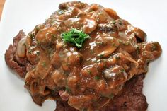 Slow Cooker liver and onions - Oh so tender!g - Best Liver Detox Cleanse Chicken Liver Recipes, Onion Recipes, Meat Recipes, Cooker Recipes, Appetizer Recipes, Crockpot Recipes, Ninja Recipes, Paleo Recipes, Crock Pot Slow Cooker